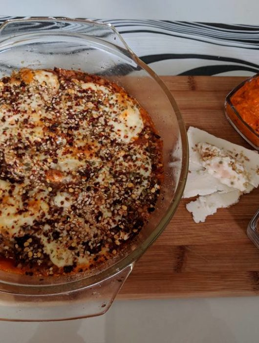 Потпечена-хељда-со-доматен-сос