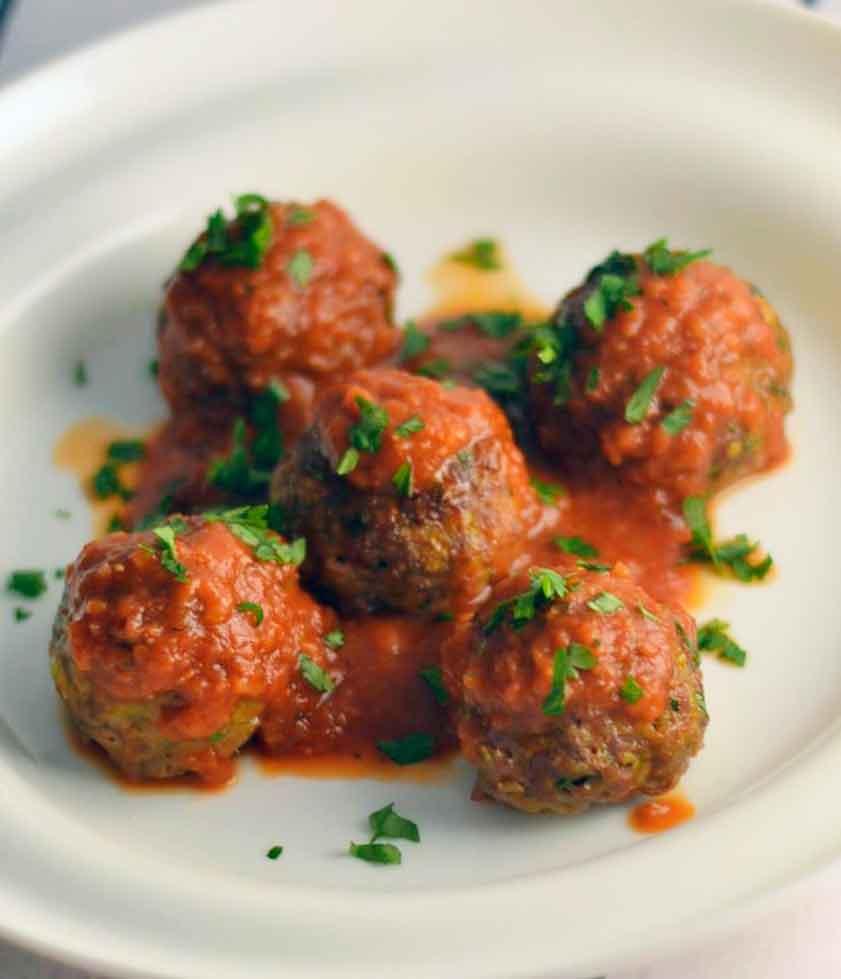 Печени ќофтиња во сос од домати