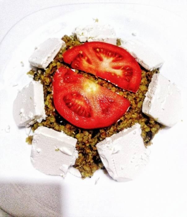 Појадок - Хељда со семиња, фета сирење, зачини, куркума