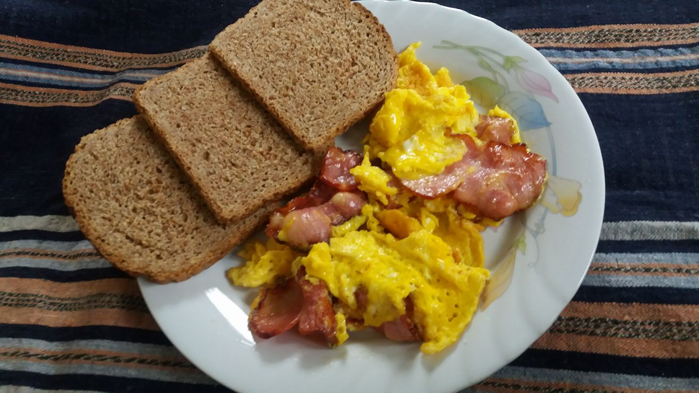 Појадок - Кајгана со сувомесно
